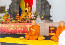 Peringatan Hari Kathina 2557BE/2013 Direktorat Jenderal Bimbingan Masyarakat Buddha