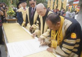 The 7th Convocation and Stupha Ceremony for Dharma Buddhis University