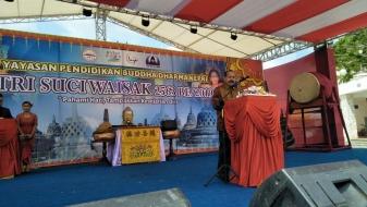 Hadiri Waisak Pulau Bintan, Caliadi Serukan Jaga Kebersamaan dan Persatuan