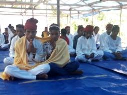 Suku Pedalaman Maluku Melakukan Pernikahan Masal Agama Buddha